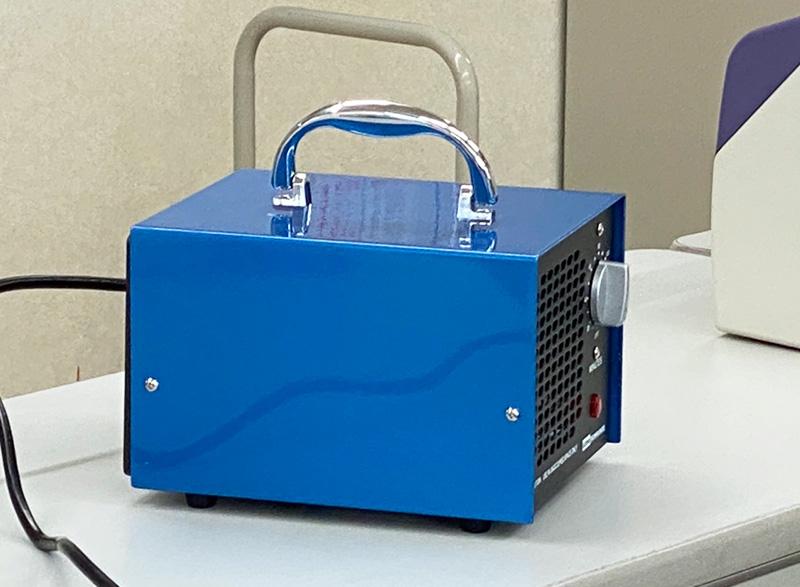 オゾン燻蒸機写真