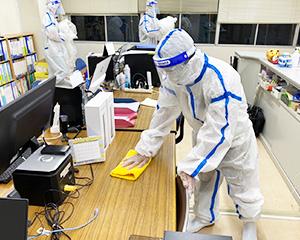 5. 机・什器の消毒作業(オプション)